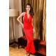 Vestido largo rojo con gran escote